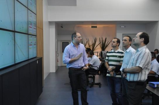 Gestor da Operação do Consórcio Rmtc apresenta a Central de Controle Operacional (CCO) aos visitantes
