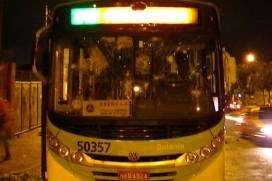 Ônibus vandalizado